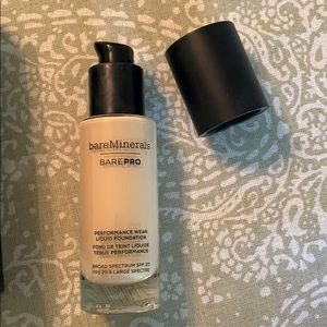 bareMinerals Liquid Foundation in Light Natural